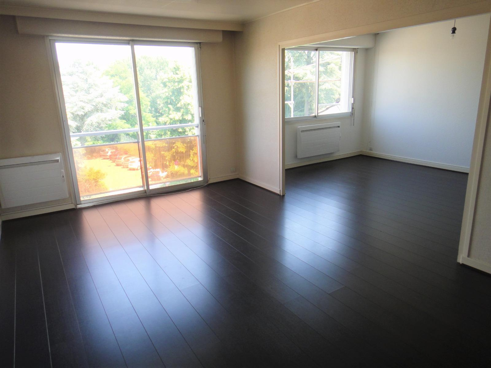 Annonce location appartement bourg en bresse 01000 80 for Meubles bourg en bresse