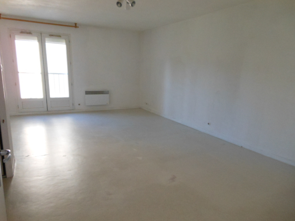Annonce location appartement bourg en bresse 01000 66 for Carrelage bourg en bresse